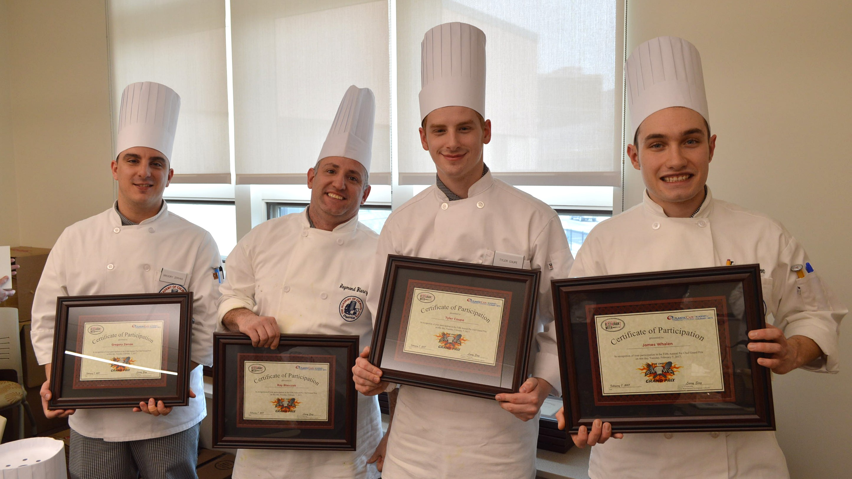 Chefs with participation certificates